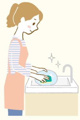 食器洗いをするお母さん