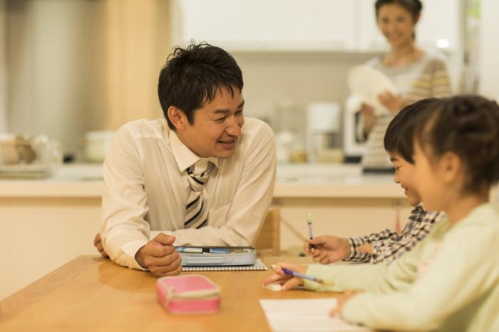 子供の言葉の力を育もうとする親